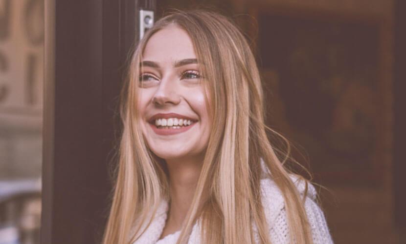ぷっくりと膨らむ涙袋 目の下にある笑った時にぷくっと膨らむ涙袋は女性らしい優しい印象を与えます。 非動物性の安全性の高い製品のみを使用します。