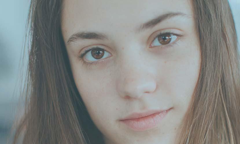 目力アップでパッチリ魅力的な目元に 上げづらい瞼を改善