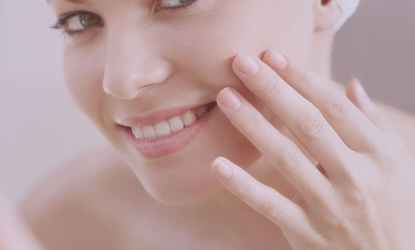 しわ・たるみ・毛穴の開き・ニキビ痕・赤ら顔・毛細血管拡張症を改善