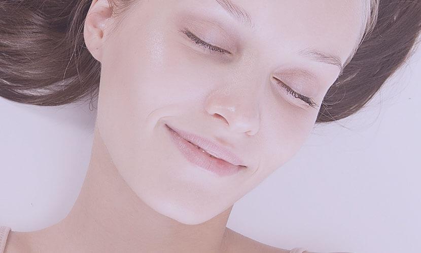 有効成分をイオン化させ効果的に浸透させる方法です。皮膚に塗布しただけと比べ、約70倍の浸透効果があると言われています。