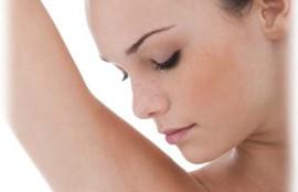 わきが治療にも有効性(毛が生えている毛穴のアポクリン腺の破壊)があります。
